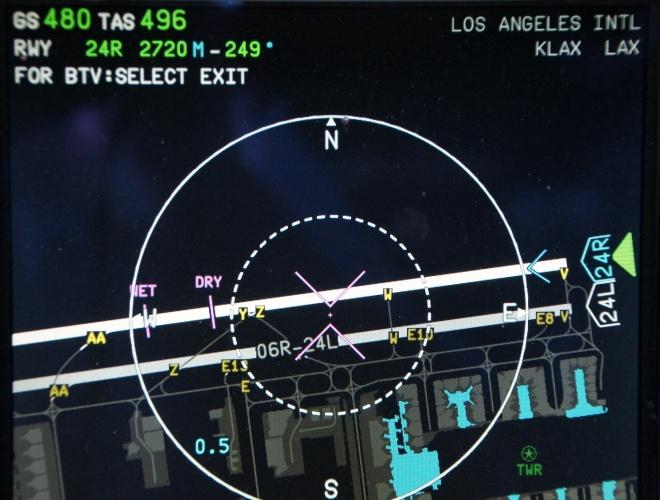 Select the landing runway